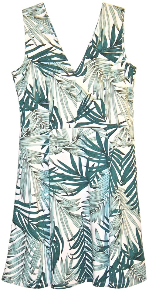 27afab3b3353 H M White Green Palm Print Short Casual Dress. Size  14 (L) Length  Above  Knee ...