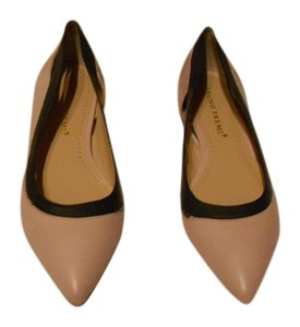 Bruno Premi Two Leather Colors Cut Outs Stylish Nude/Black Flats