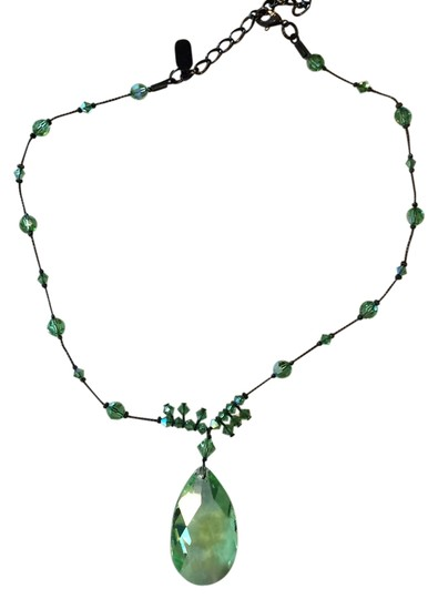 Preload https://item3.tradesy.com/images/green-crystal-necklace-1395327-0-0.jpg?width=440&height=440