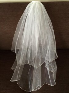 Beautiful 2-tier Shoulder-length Beaded Veil; Great Price!