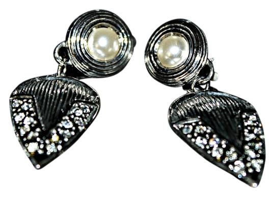 Other Beautiful Stainless Steel Pearl Clip On Earrings