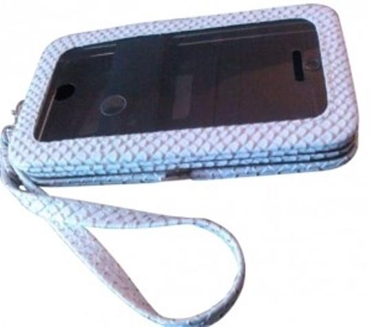 Preload https://item3.tradesy.com/images/ivory-gold-android-phone-case-white-faux-snakeskin-wallet-purse-wristlet-new-metallic-tech-accessory-139632-0-0.jpg?width=440&height=440