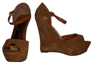 Liliana Tan Wedges