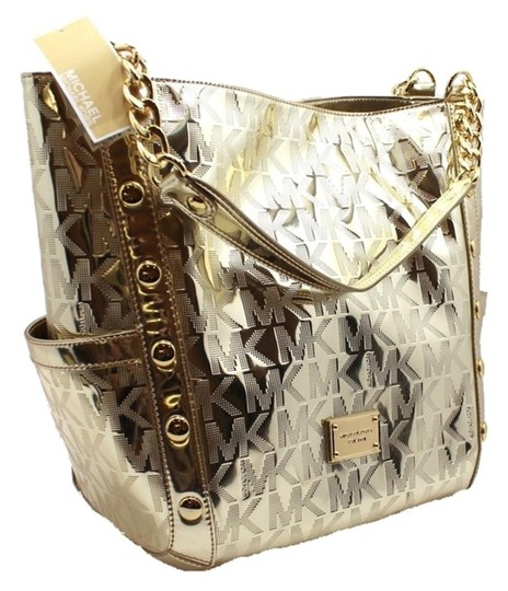 Preload https://img-static.tradesy.com/item/1396884/michael-kors-delancy-large-mirror-metallic-new-with-tags-pale-gold-leather-tote-0-3-540-540.jpg