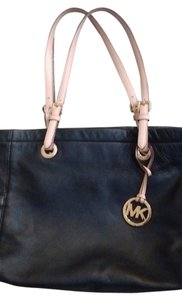 Michael Kors Soft Tote in Black Leather with Contrasting Straps