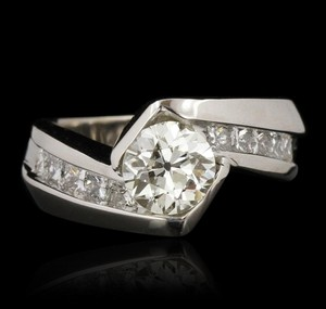 Price Slashed!! 1.45ctw Diamond Engagement Ring