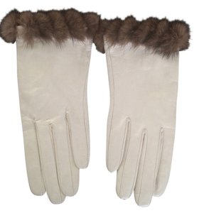 Nordstrom Woman's leather gloves with fur trim