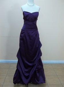Impression Bridal Aubergine 1719 Formal Bridesmaid/Mob Dress Size 12 (L)