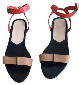 Loeffler Randall White sole w. black footbed and red/orange and camel details Sandals