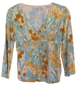 CAbi Long Sleeve V-neck Rusching Stretch Super Soft T Shirt Aqua, White, Gold