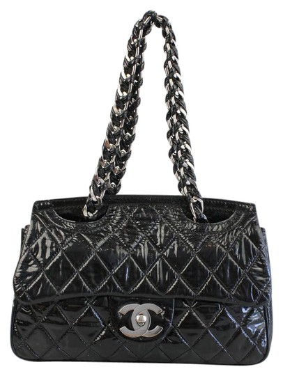 Preload https://item2.tradesy.com/images/chanel-quilted-double-sided-flap-black-patent-leather-shoulder-bag-1398446-0-4.jpg?width=440&height=440