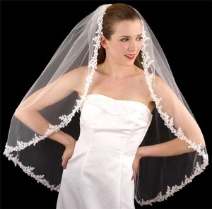 LC Bridal Veils Couture White Lace Veil