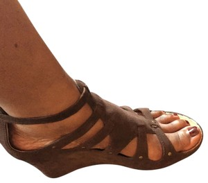 Kenneth Cole Reaction Brown Wedges