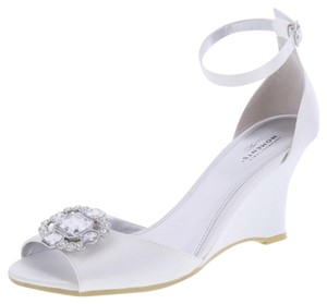 Unforgetable moments White Wedges