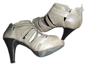 Madden Girl grey Sandals