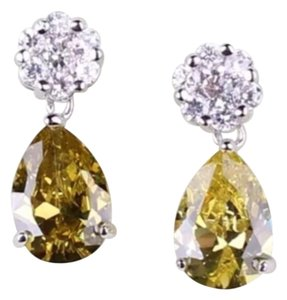 New Peridot & 18K White Gold Filled Pear Shape Dangle Earrings