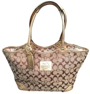 Coach Tote in Brown Gold