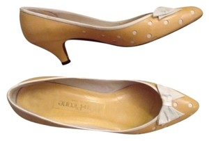 Evan Picone Made In Spain Leather Yellow with white bows and white accents Pumps