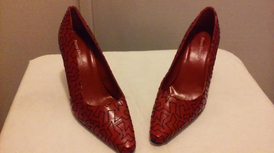 Pierre Dumas Embroidered Textured Pointed Toe Red/ black Pumps Image 1