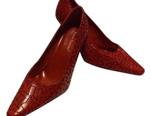 Pierre Dumas Red/ black Pumps