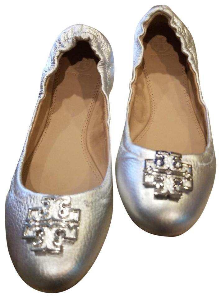 5fe755125 Tory Burch Royal Tan Metallic Silver Logo Melinda Ballet Flats. Size  US  10.5 Regular (M ...
