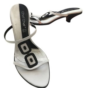 Chit chat White Sandals