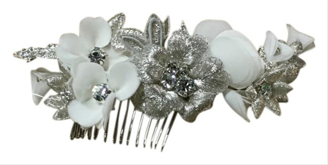 Item - Ivory/ Silver Hair Accessory