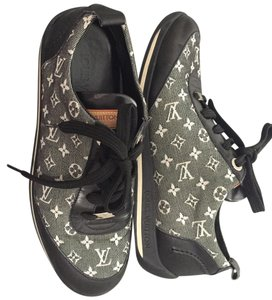 Louis Vuitton Navy blue /leather and canvas Athletic