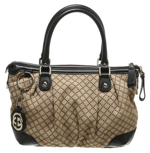 Gucci Satchel in Beige/Black