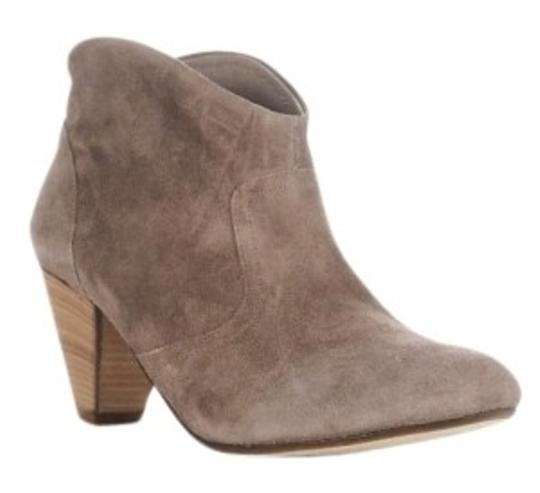 Preload https://item4.tradesy.com/images/steven-by-steve-madden-taupe-bootsbooties-size-us-85-140008-0-0.jpg?width=440&height=440