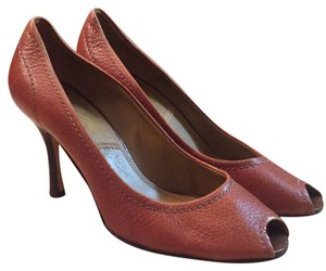Tahari Size 8.5 Peep Toe Leather Classic brown Pumps