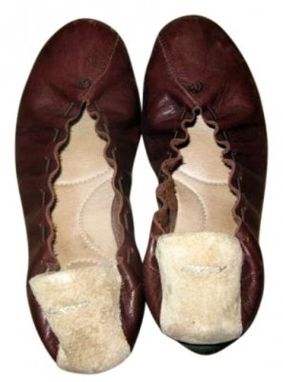 Preload https://item4.tradesy.com/images/dkny-brown-flats-size-us-8-140033-0-0.jpg?width=440&height=440