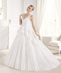 Pronovias Off White Estralita Destination Wedding Dress Size 10 (M)