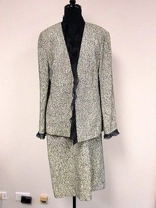 Louis Feraud Feraud Navy Blue Cream Long Sleeve Ruffle Jacket A Line Skirt Suit R827