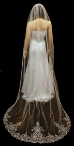 White/Silver Long Exquisite Beaded Embroidery Cathedral Length In Bridal Veil