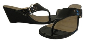 Bandolino Patent Leather Wedge Heel Thong Silver Hardware Black Sandals