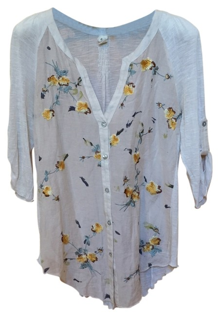 Item - White Embroidered Blouse Size 4 (S)