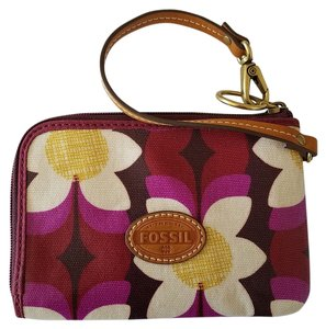 Fossil Canvas Wristlet in Pink Floral