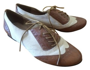 Chelsea Crew Oxfords Mod Prep Vintage Brown and Creme Flats