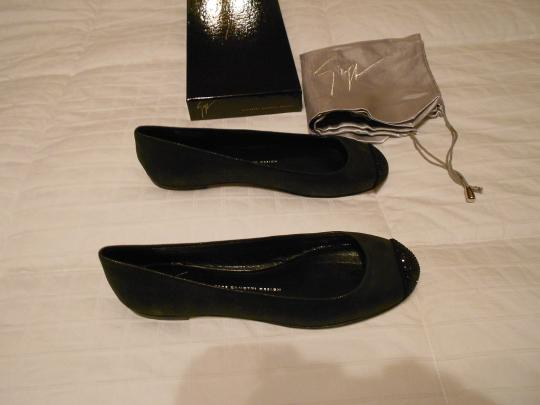 Giuseppe Zanotti Swarovski Accents Cap Toe Shimmer Finish Sueded Quality Made In Italy Grey Flats Image 2