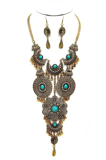 Preload https://img-static.tradesy.com/item/14017264/turquoise-gold-antiqued-coral-boho-chic-tribal-earrings-necklace-0-1-540-540.jpg