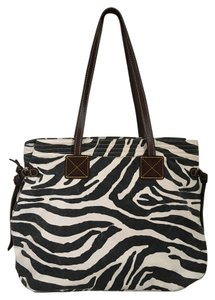 Dooney & Bourke Tote in Black and white