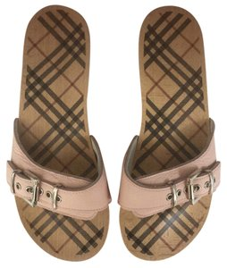 Burberry Pink leather on wooden soles Silver accents Sandals