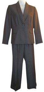 Tahari Blazer and Pants Suit