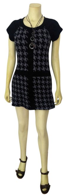 Item - Black Gray Knit Sweater Small P1986 Mid-length Short Casual Dress Size 4 (S)