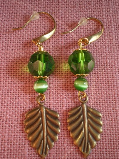 Other Like new green w/bronze leaf pierced earrings