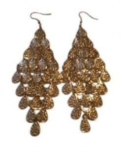 Body Central goldtone dangley pierced earrings