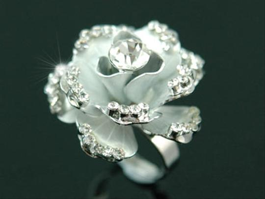 Other Unique 3D White Rose Flower Swarovski Crystal Ring