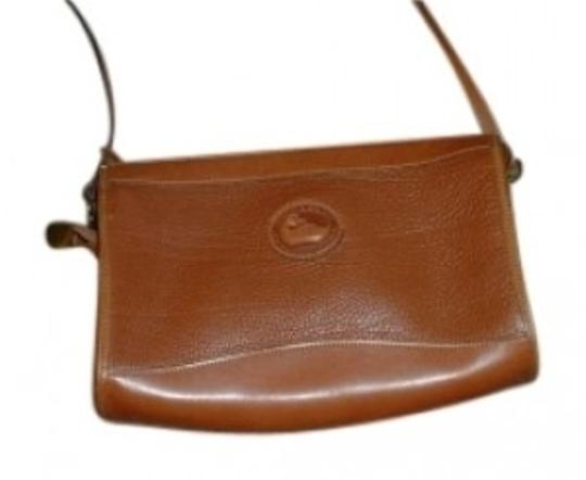 Preload https://img-static.tradesy.com/item/140393/dooney-and-bourke-and-purse-brown-leather-shoulder-bag-0-0-540-540.jpg