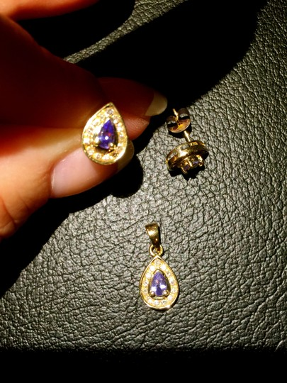unknown Tanzanite and Diamonds 14k Gold earrings AND pendant...